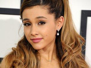 Ariana-Grande-2014