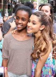 Ariana Grande fan 4