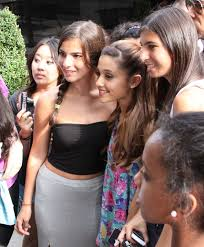 Ariana Grande fanss