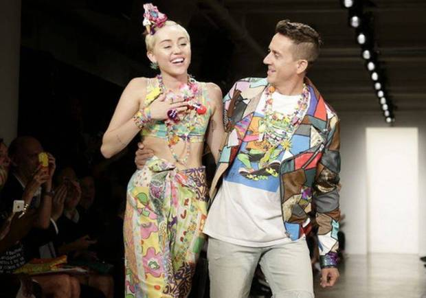 Jeremy Scott con Miley