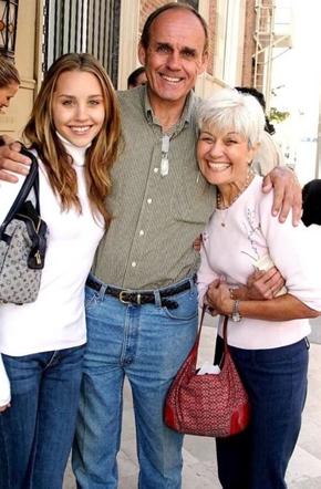 Amanda y sus padres