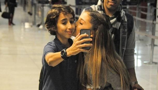 Ariana Grande y fan