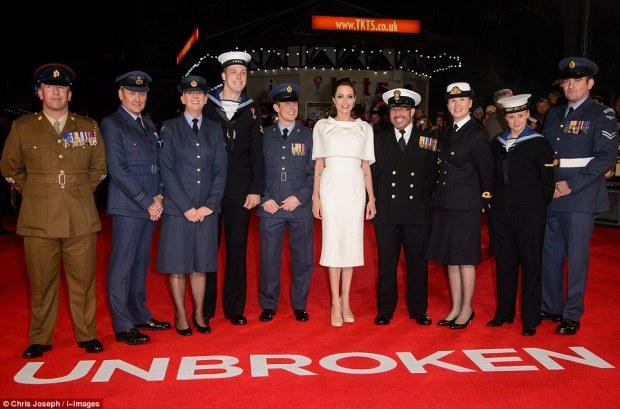 237F931500000578-2849263-Proud_Angelina_Jolie_attended_the_Unbroken_UK_Premiere_in_London-15_1416950176540