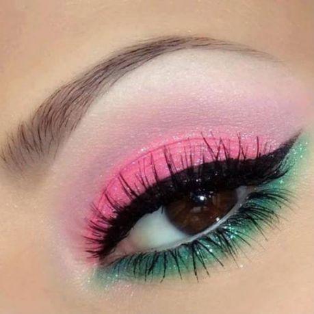 delineado cat eye