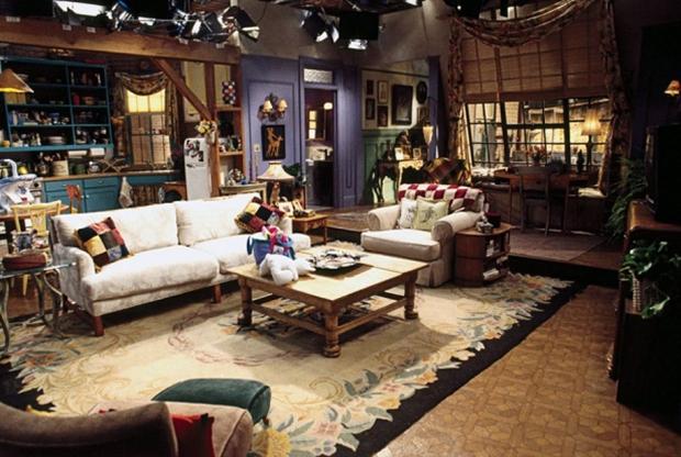 Friends-TV_Show-Monica_Apartment_Set-01