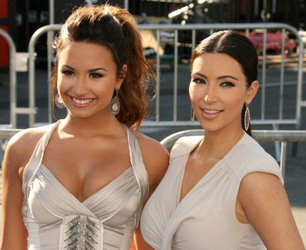 lovato-kardashian-2011-do-something-awards-01