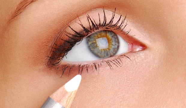 eye liner blanco